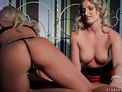 Breathtaking blonde beauties blow blindfolded guy tubes