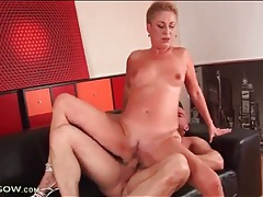 Short hair blonde mature fucked in tight cunt tubes