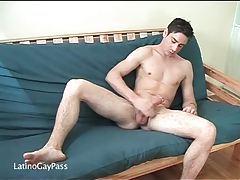 Hard body on solo masturbating hottie tubes