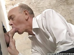 Daddy and the strangers cock at the gloryhole tubes