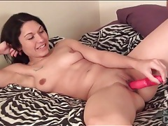 Tattooed amateur fucks toy into her bald pussy tubes