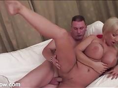 Hot lips and curvy body bimbo gets fucked hard tubes