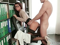 Secretary in glasses and stockings fucked doggystyle tubes