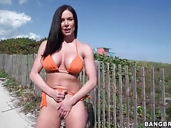Hot milf kendra lust in orange bikini outdoors tubes