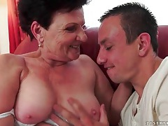 Making out with granny and eating her pussy tubes