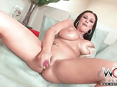 Curvy pornstar bella blaze strips and toys her pussy tubes