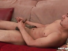 Hottie jerks off and tickles his asshole tubes