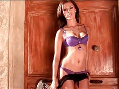 Purple lace lingerie on dancing babe outdoors tubes