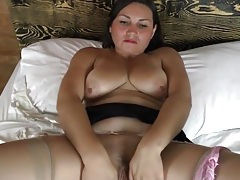 Mama plays with her big natural titties tubes