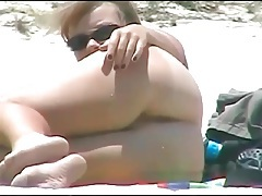 Sexy tits and ass on amateur beach babe tubes