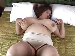 Fat girl in sexy stockings masturbates solo tubes
