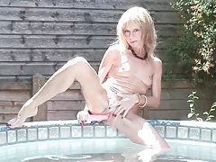 Hot tub toy fucking with skinny mature tubes