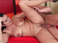 Mature sucks her cunt juices off his dick tubes