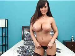 Voluptuous milf lisa ann looks hot in stockings tubes
