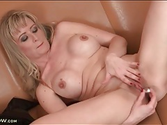 Mom nipples are hard as she masturbates tubes