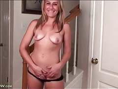 Milf does a sexy dance before she masturbates tubes