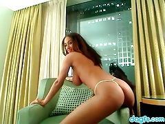 Breathtaking webcam babe strips off lingerie tubes