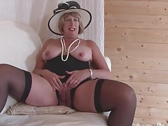 Classy solo mature rubs her wet pussy tubes