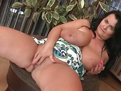 Fat mature fondles her beautiful big tits tubes
