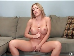 Curvy capri cavalli fucks her cunt with a toy tubes