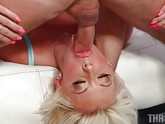 Bimbo with huge lips sucks a hard dick tubes