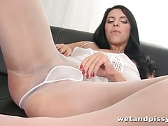 Busty kira queen pees through her pantyhose tubes