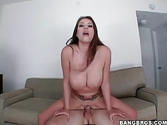 Pretty babe with curves sucks and fucks tubes