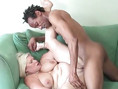 Fit and hung black dude fucks chubby mature tubes