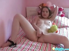 Petite teen fingers shaved pussy in bed tubes