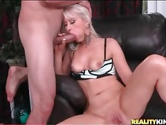 Sexy platinum blonde sucks big dick tubes
