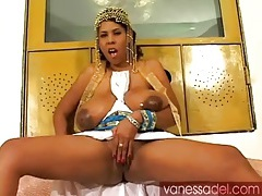Vanessa del pours oil on her huge natural tits tubes