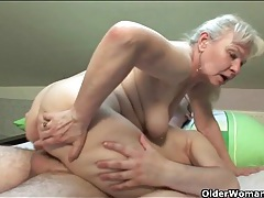 Curvy cocksucking old lady gets laid tubes
