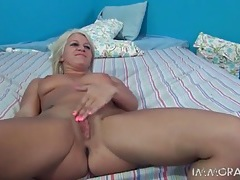 Blonde masturbates her hole and gets fucked tubes