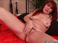 Missionary sex with a beautiful mature redhead tubes