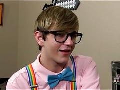 Adorable twink nerd kisses his boyfriend tubes
