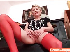 Red stockings are sexy on masturbating mom tubes