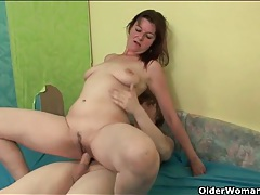 Mommy cunt is wet as she rides his dick tubes