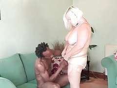 Mature bbw gives good head to a black guy tubes