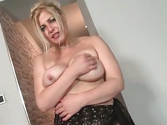 Mature blonde finger bangs her vagina tubes