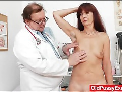 Small tits mature gets her pussy examined tubes