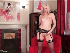 Lingerie is perfection on a blonde milf beauty tubes