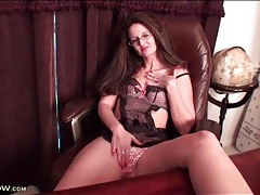 Milf secretary wears lingerie under her clothes tubes