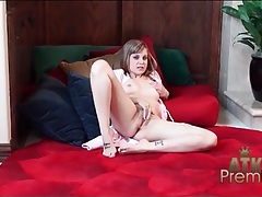 Teen in a pink bathrobe masturbates solo tubes