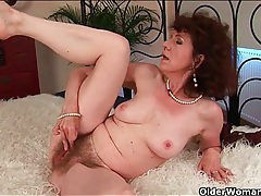 Classy mature fucked in her wet hairy pussy tubes