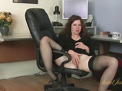 Curly hair milf office babe strips at work tubes