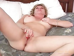 Big tits blonde milf rubs her tight pussy tubes