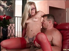 Tattooed pussy looks sexy getting fucked tubes