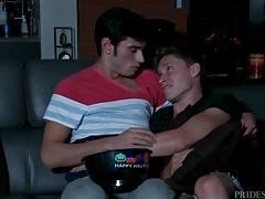 Movie night ends in cuties in bed kissing lustily tubes
