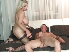 Big milf tits and a sexy ass on a hot cock rider tubes