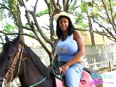 Big tits bounce as a sexy girl goes horseback riding tubes